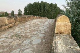 Tarihi Köprü Onarım ve Temizlik Bekliyor!