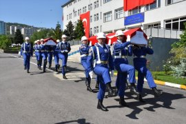 Arama Çalışmalarında Suya Kapılarak Şehit Olan Askerler İçin Tören Düzenlendi