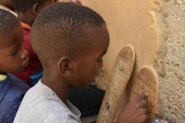 Somalili Çocuklardan Hükmü Pekmezci'ye Anlamlı Hediye