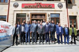 MÜSİAD Genel Başkanı Abdurrahman Kaan, Vali Cüneyt Epcim'i Ziyaret Etti