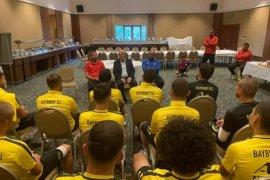 Belediye Başkanı Pekmezci'den Bayburtspor'a Moral Ziyareti