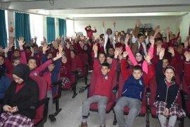 Bayburt'ta Okullarda Gıda Güvenilirliği Eğitimi