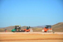 Bayburt - Gümüşhane Havalimanı İnşaatında Çalışmalar Pistte Sürüyor