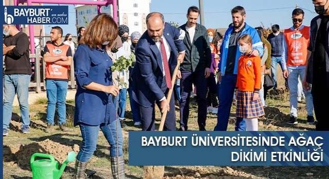 Bayburt Üniversitesinde Ağaç Dikimi Etkinliği