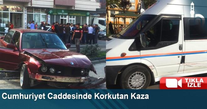 Cumhuriyet Caddesinde Korkutan Kaza
