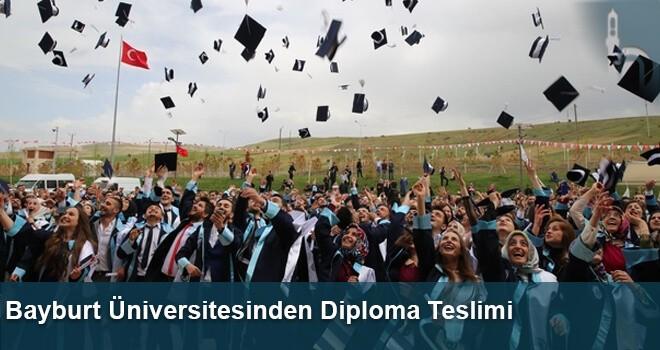 Bayburt Üniversitesinden Diploma Teslimi