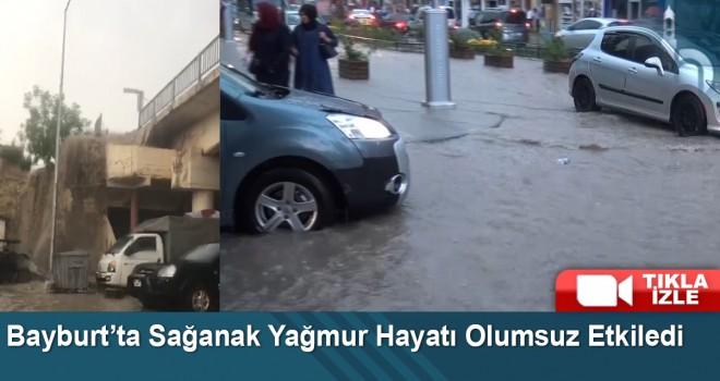 Bayburt'ta Sağanak Yağmur Ve Kısa Süreli Fırtına Etkili Oldu
