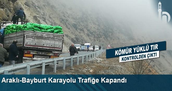Araklı-Bayburt karayolu trafiğe kapandı