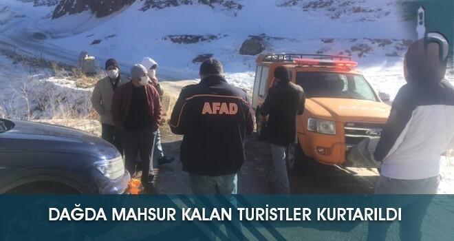 Dağda Mahsur Kalan Turistler Kurtarıldı