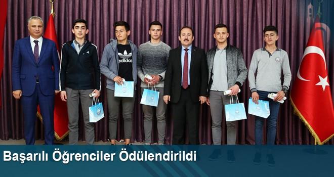 Bayburt'ta Başarılı Öğrenciler Ödüllendirildi
