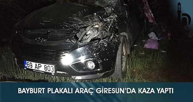 Bayburt Plakalı Araç Giresun'da Kaza Yaptı