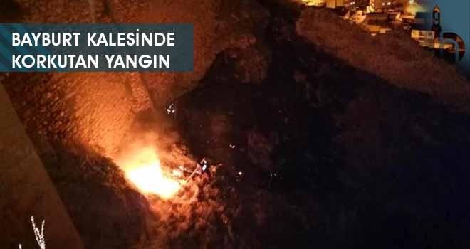 Bayburt Kalesinde Korkutan Yangın