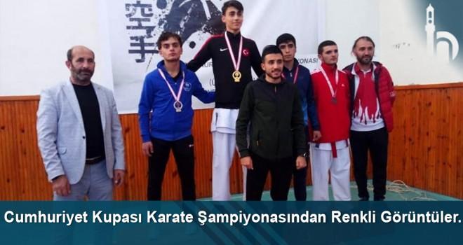 Bayburt'ta Cumhuriyet Kupası Karate Şampiyonası renkli görüntülere sahne oldu