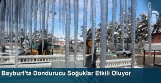 Bayburt'ta dondurucu soğuklar etkili oluyor