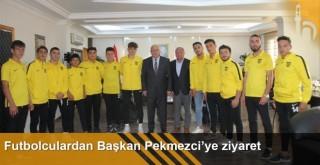 Futbolculardan Başkan Pekmezci'ye ziyaret
