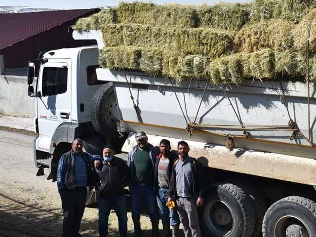 Bayburtlu Çiftçilerden Yardım Eli Devam Ediyor
