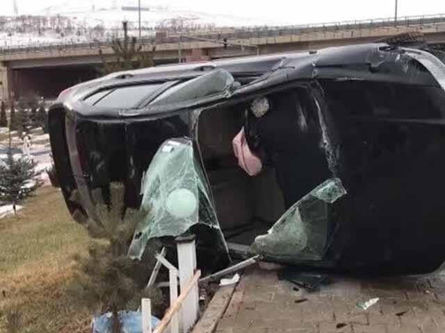 Bayburt'ta Otomobil Kazası: 1 Yaralı